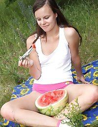 Picknicking teenager