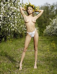 Naked coed with diadem