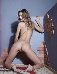 Beautiful stunning crunchy blonde Katerina shows her miserly shaved pussylips